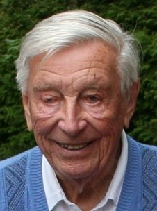 A pioneer in the development of electronic computing machines in Germany and one of the founders of gravitational wave astronomy is gone: on 4 January 2017, the astrophysicist Heinz Billing died at the age of 102. Billing was scientific member at the Max Planck Institute for Astrophysics in Garching from 1961 to '82.