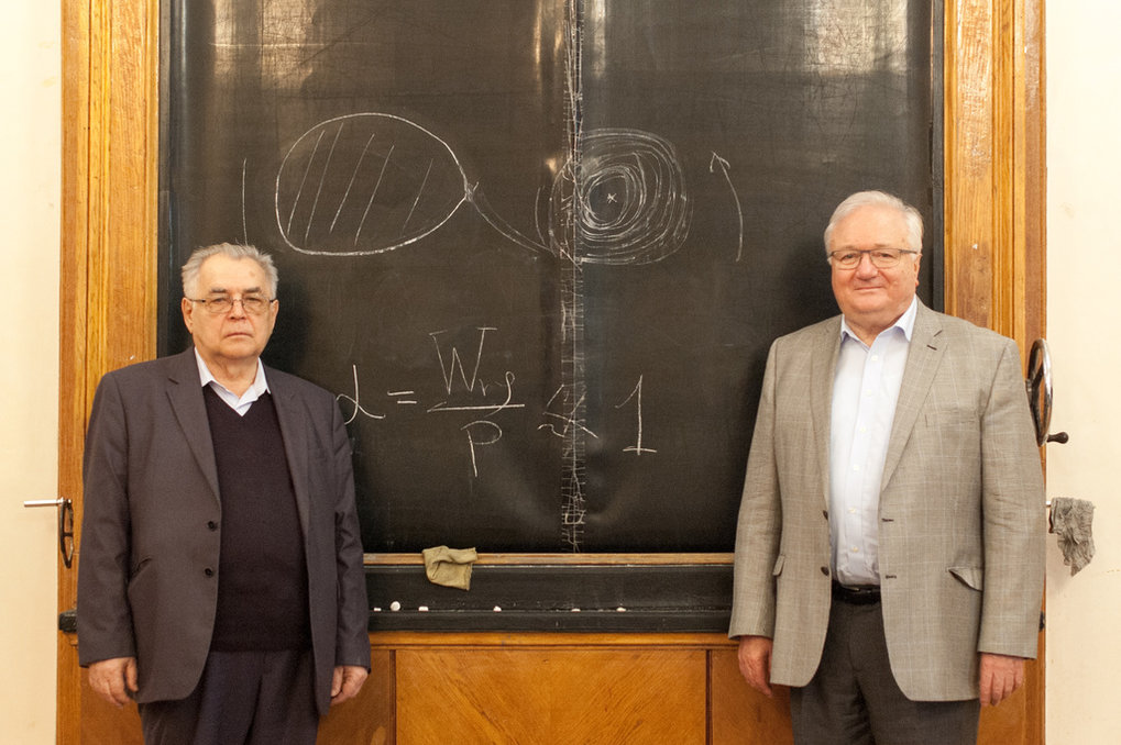 "<span class=""mw-mmv-title"">Nikolay Shakura and Rashid Sunyaev recieved the State Prize of the Russian Federation in Science and Technology for their seminal 1973 paper ""Black holes in binary systems. Observational appearance"".<br /></span>"