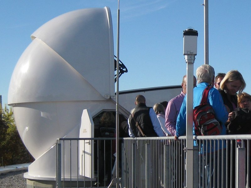 The observatory on the rooftop of our institute contains a 60cm reflecting telescope. Normally advanced students are trained here – now it's your turn! Our staff explain how the telescope works and what can be observed. If there will be clear skies, you will be able to observe stars live, even during daylight!