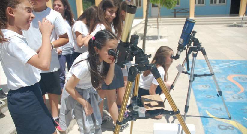 School children do observations during a Columba-Hypatia activity on Cyprus.