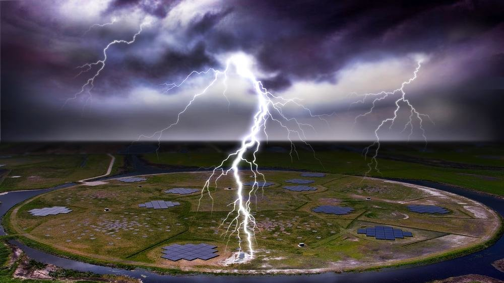 In contrast to popular belief, lightning often does strike twice, but the reason why a lightning channel is 'reused' has remained a mystery. Now, an international research team led by the University of Groningen and including scientists from Germany has used the LOFAR radio telescope, which also includes a station operated by the MPA, to study the development of lightning flashes in unprecedented detail.